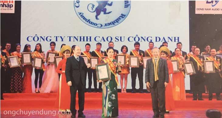 Cửa hàng Hùng Hiền là đại lý cấp I của Công ty TNHH Cao su Công Danh