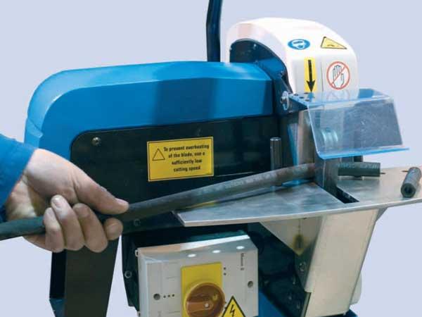 Máy cắt ống thủy lực